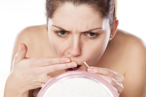 Противопоказания и последствия шугаринга на лице